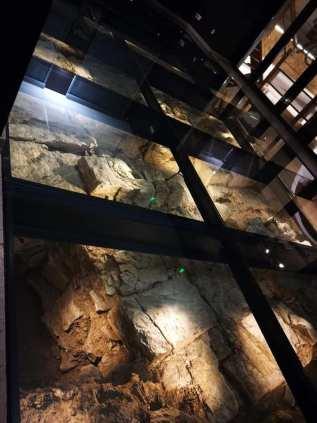 Verre Technic plancher de verre site archéologique de Grand