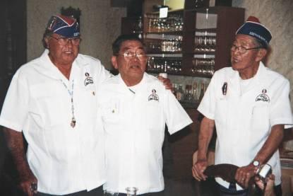 2001 Restaurant La Renaissance- Don Chante avec 2 amis (Copier)