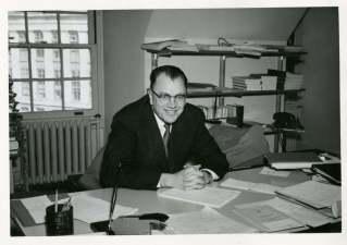 BMacMahon Archive photo