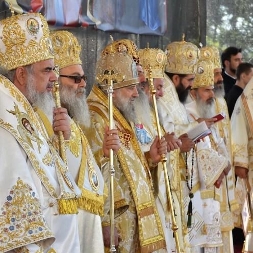 sfintire-si-canonizare-valcea-16 (2)