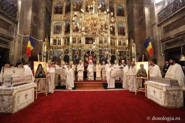 Mitropolitul-Iosif-Naniescu-și-Moșul-Gheorghe-Lazăr-au-fost-proclamați-sfinți - 33