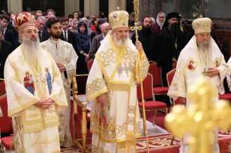Mai-mulți-ierarhi-s-au-rugat-împreună-cu-Patriarhul-României-la-11-ani-de-la-întronizare-s-6.x71918