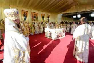 iasi-22-ierarhi-la-sfanta-liturghie-Sf-Parascheva-4-1.x71918