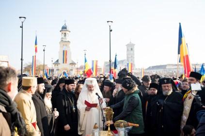 Patriarhul-a-sifntit-monumentul-unirii-1.x71918