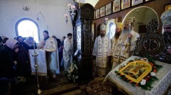 liturghie-sobor-ierarhi-manastirea-zosin_24