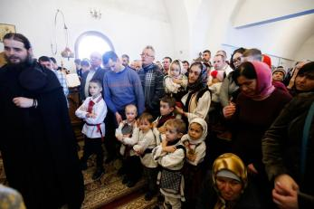 liturghie-sobor-ierarhi-manastirea-zosin_36