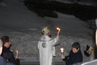 Lumina Învierii a ajuns și la românii de dincolo de Cercul Polar