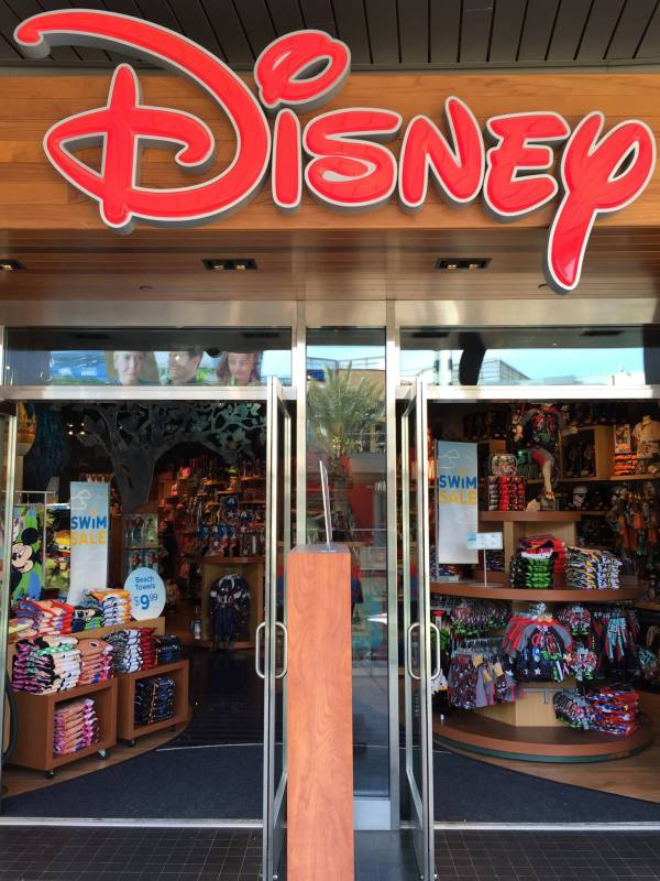Disney Store Celebrates Grand Opening Of Location In Houston Style Magazine