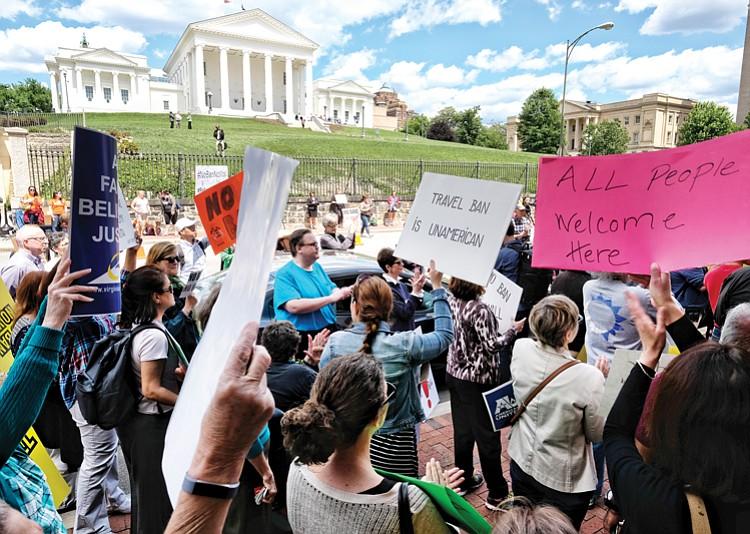 Hasil gambar untuk Appeals court hears arguments on updated Trump travel ban