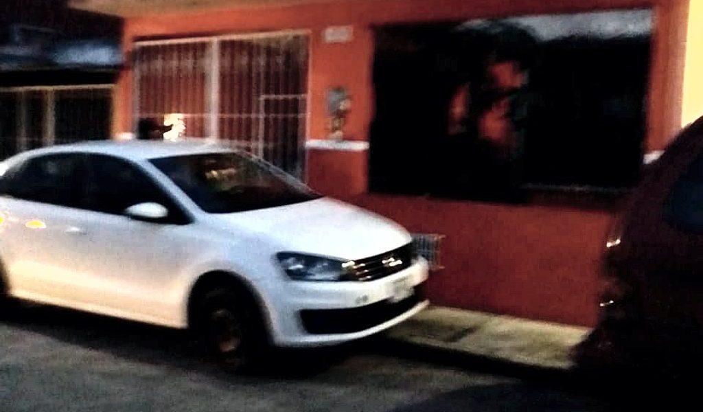 Asegura Policía Estatal, dos autos robados en Querétaro.