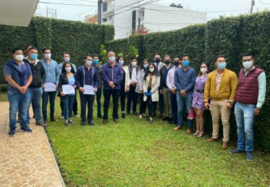 Dirigente de PODEMOS toma protesta a quienes conformarán la Secretaría de la Juventud.