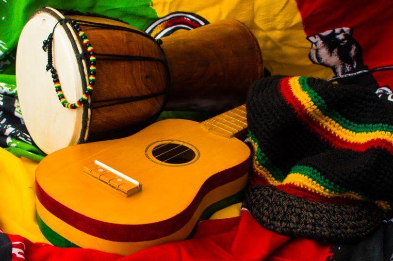 Jamajka, ostrov trávy, palem a reggae