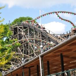 Dyrehavsbakken: Lunapark s nejstarší horskou dráhou ze dřeva