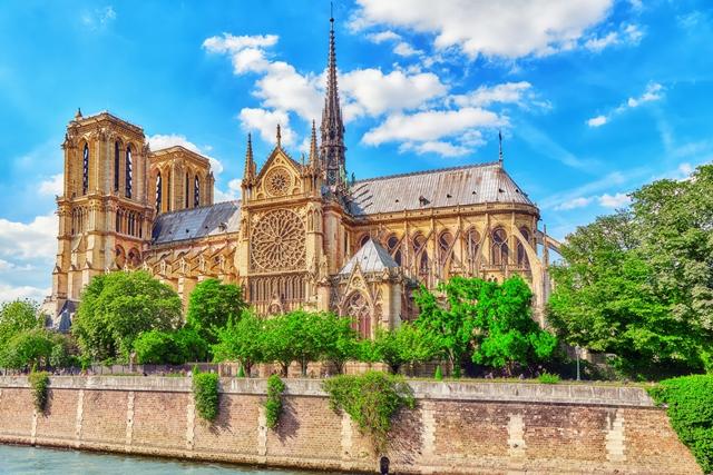 Nejúchvatnější katedrály a chrámy světa