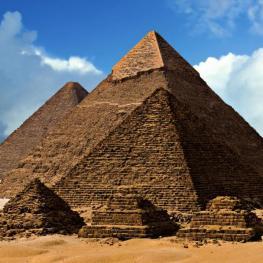 7 otázek kolem fascinujících hrobek: Jaké záhady skrývají?