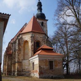 Kostel svaté Anny na Vršíčku: Místo spjaté s tajemnými příběhy!