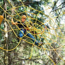 Lanové parky: Za zábavou s dětmi do výšek stromů