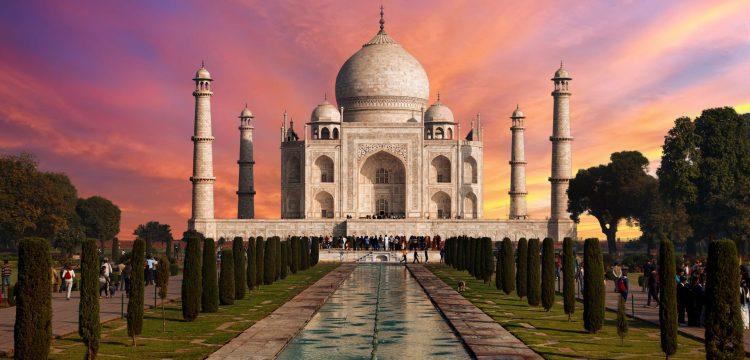 Osmý div světa. Stála naproti Tádž Mahalu jeho černá kopie?
