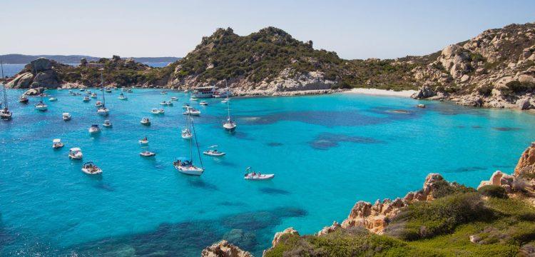 Drsná a nádherná Sardinie