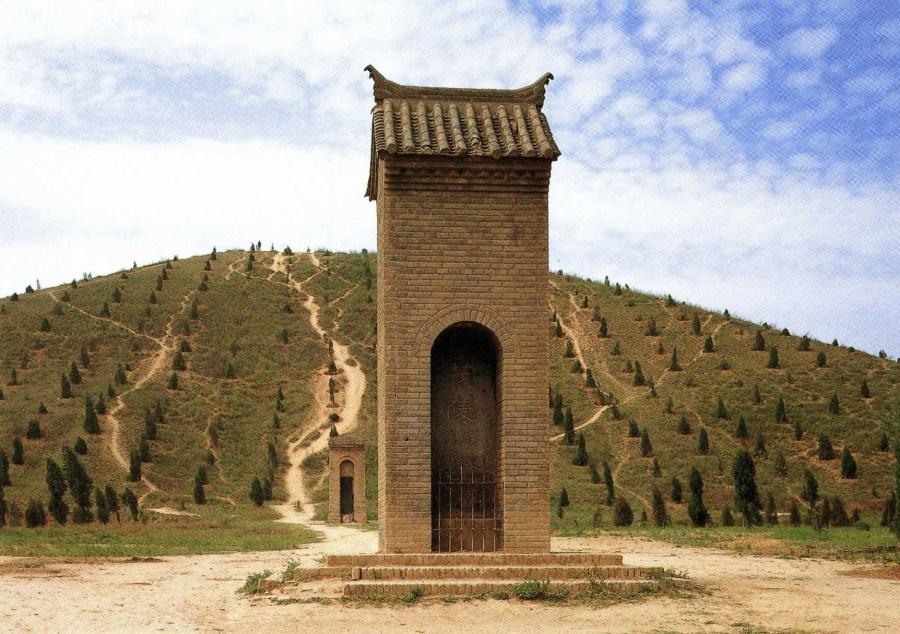 Co se skrývá v nitru čínských pyramid?