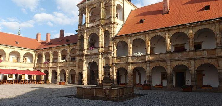 Zámek Moravská Třebová: Renesanční skvost a sídlo alchymistů