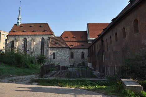 1024px-Anežský-klášter2011c