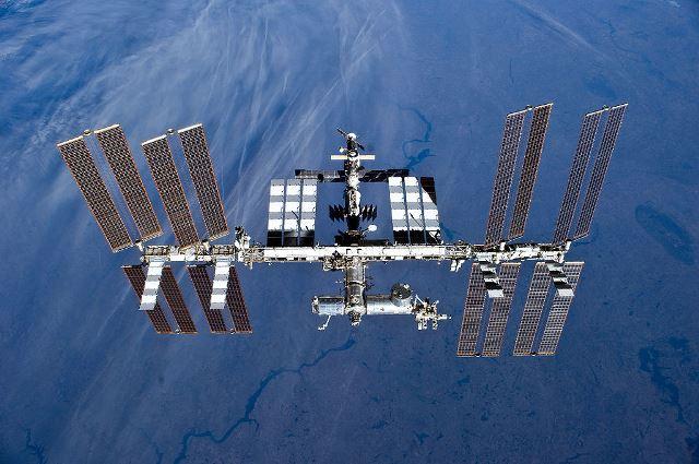 NASA uvedla v roce 2008 na vesmírné stanici ISS do provozu systém,který zvládá vyrobit pitnou vodu ze slz, potu i moči.