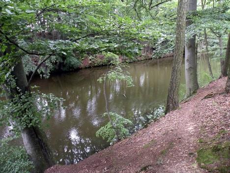 Pozůstatky dávného budování vodní stavby se dají ještě dnes nalézt jižně od Norimberka, nedaleko hranic s Českou republikou.