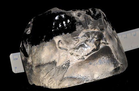 Největší diamand světa Cullinan vážil přes 600 gramů.