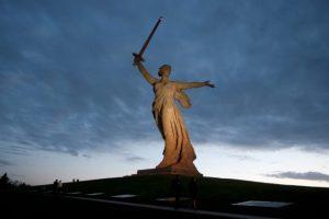Obří kolosy, které se dotýkají nebe: Znáte nejvyšší sochy světa?