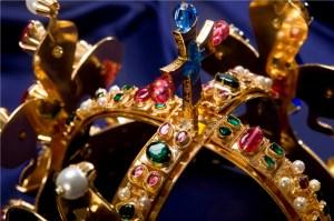 Kletba Svatováclavské koruny: Stojí za ní papež?