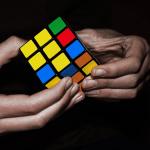 Stalo se v květnu: Dobytí Everestu i vynález Rubikovy kostky