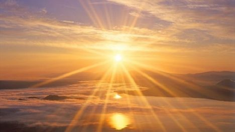 Sluneční paprsky obsahují nebezpečné ultrafialové záření.