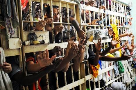 Násilí mezi vězni je tu na denním pořádku.