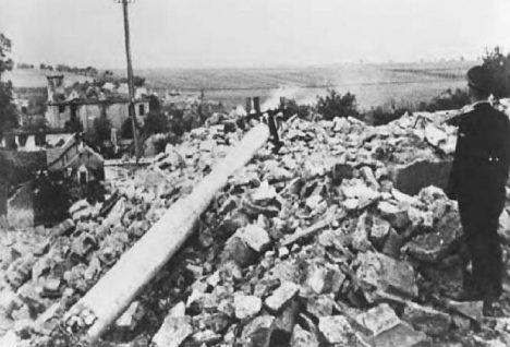 Po zásahu jednotek SS lehly Lidice popelem. Vojáci zničili dokonce i zdejší hřbitov, silnici a rybník.