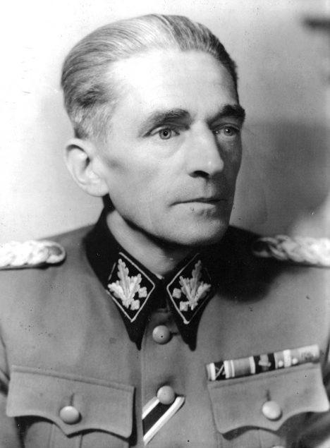 Státní tajemník Karl Hermann Frank.