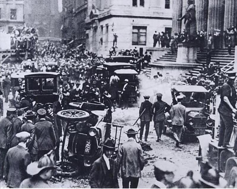 Wall Street zažije - z dnešního úhlu pohledu - teroristický útok již roku 1920.