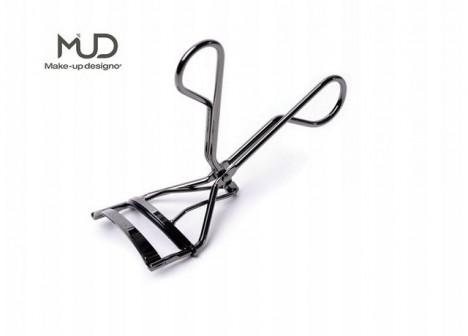 Make-up Institute Prague ve svém e-shopu nabízí profesionální vizážistické vybavení. Třeba i kleštičky na řasy.