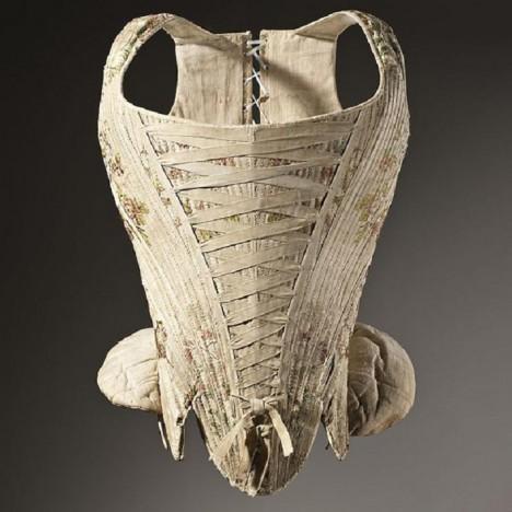 V 18. století tvoří korzet už neodmyslitelnou součást šatníku každé dámy.