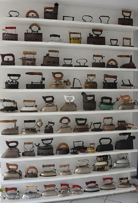 Akumulačních žehliček využívajících rozpálený kov existovala spousta druhů.