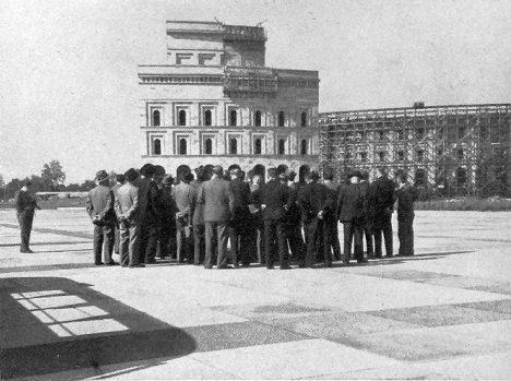 Do programu výletu českých intelektuálů je zařazena i prohlídka Norimberku.