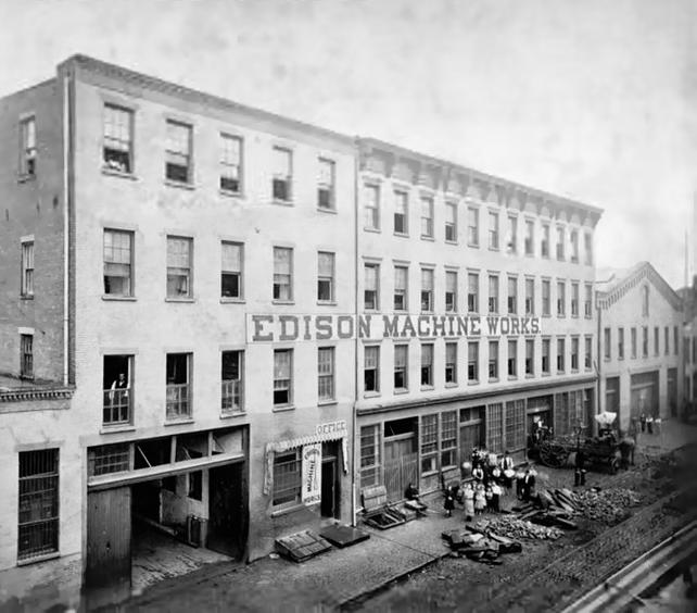Tesla pracoval nejprve pro Edisona. Poté se stali největšími rivaly.