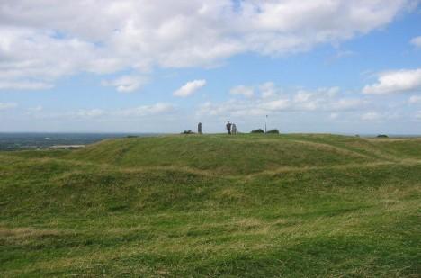 Tara je místem, kde se nachází množství různých kamenných útvarů a megalitů.