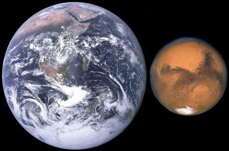 Porovnání Marsu se Zemí.