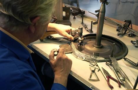 V Amsterodamu byly od sedmnáctého století dílny, kde se diamanty jen brousily.