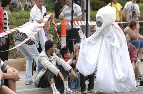 Každý rok jsou události připomínány formou festivalu. Na něj si je možné vzít jakoukoliv masku.