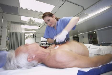 Vědci se zaměřili na zkoumání celkem 2000 případů srdečního selhání z nemocnic v Anglii, Americe a Rakousku.