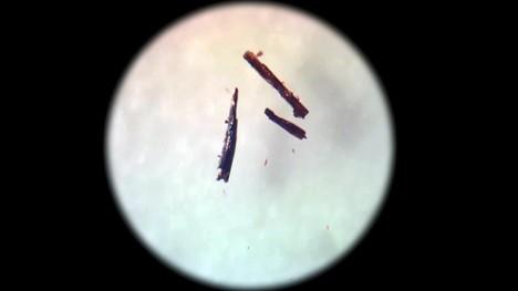 Krystal vyrobený ze solí kobaltu pohltí 99 % kyslíku a dokáže jej držet v koncentraci 160krát vyšší, než jakou má vzduch.