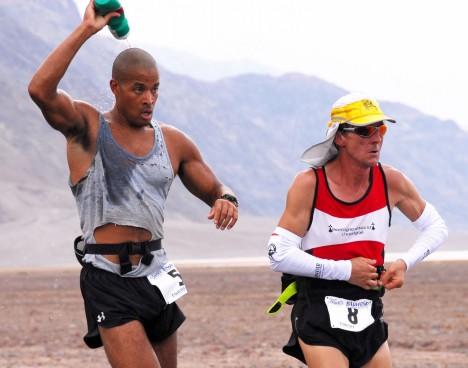 Australská studie u maratonských běžců odhalila, že po skončení závodu mají stejný krevní obraz jako lidé trpící otravou krve.