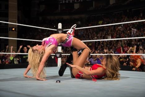 Sehrané a na první pohled brutální zápasy mají i svou ženskou kategorii.